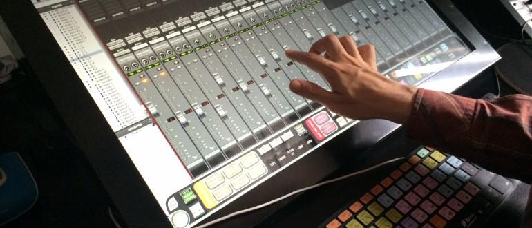 Console Tactile RAVEN - STUDIOS VOA