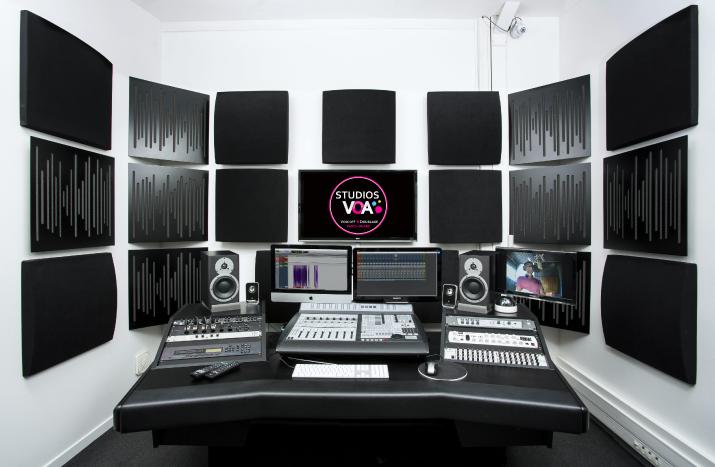 Casting voix off et enregismement studios voa
