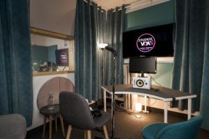 STUDIOS VOA - Sydney cabine speak Voix Off et Jeu Vidéo
